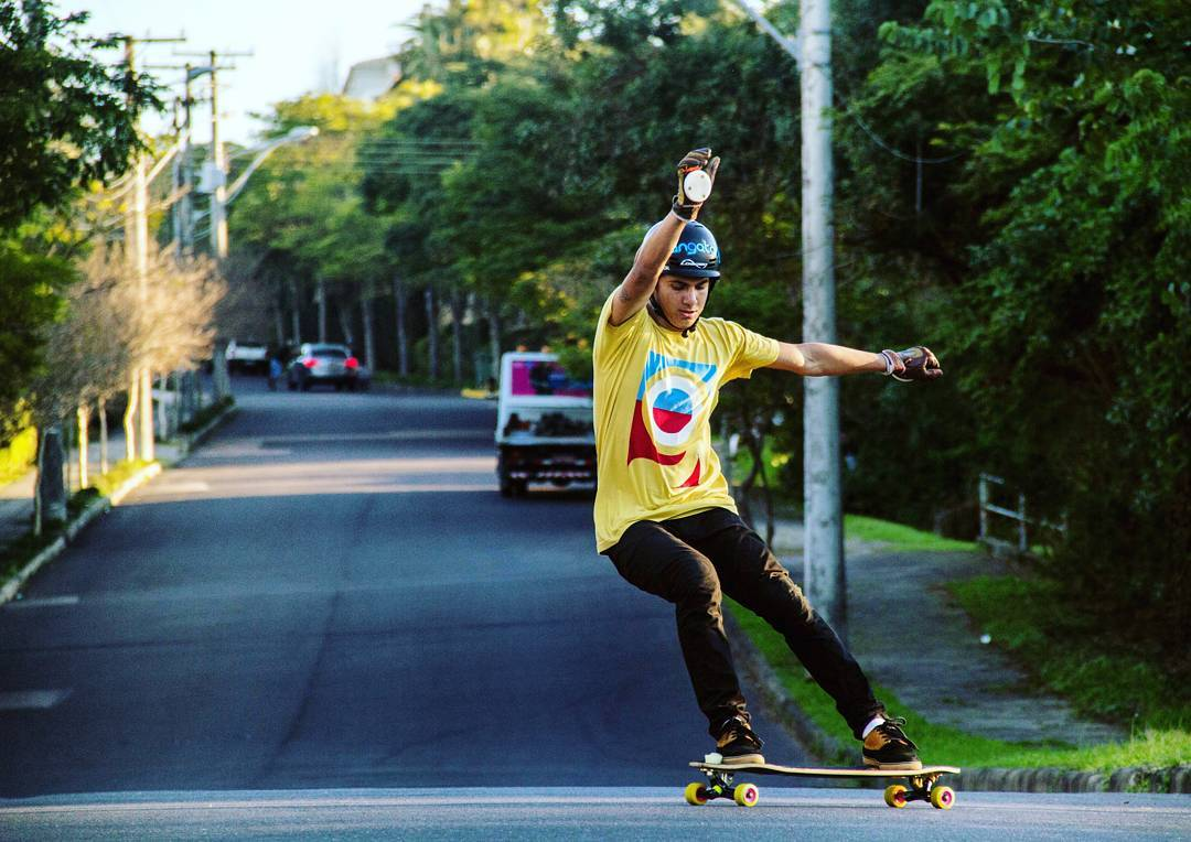#LoadedAmbassador @frukealves putting his sideways style to the test on his Loaded Truncated Tesseract.  Photo: @abrahao_daniel  #LoadedBoards #Tesseract #truncated #Orangatang #Yellow #TheSkiffs