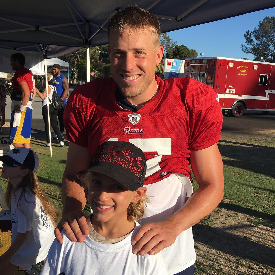What a great guy and a great Quarterback, Case Keenum is. Thanks so much and good luck on @rams this year @casekeenum7. Benjamin was so stoked to meet you!  Go Rams!!! #casekeenum #larams #ramsfootball #bbrsurf