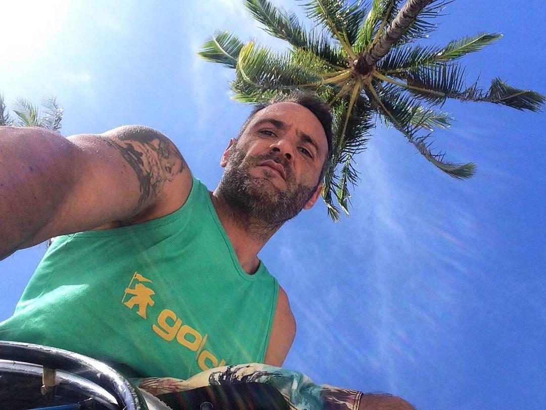 @nico_gallegos_  ya esta en #hawaii  Luego de un agotador viaje Nico llego a la tierra prometida. Con todo en marcha para la competencia lo que resta es Disfrutar!  Abrazo Grande Nico!  #gotcha #iconsneverdie