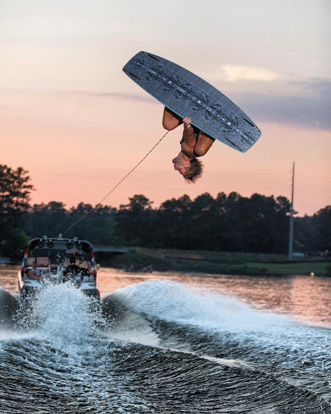 @jleeboi getting inverted on the O'Shea Pro 139. Check it out at Humanoidwake.com