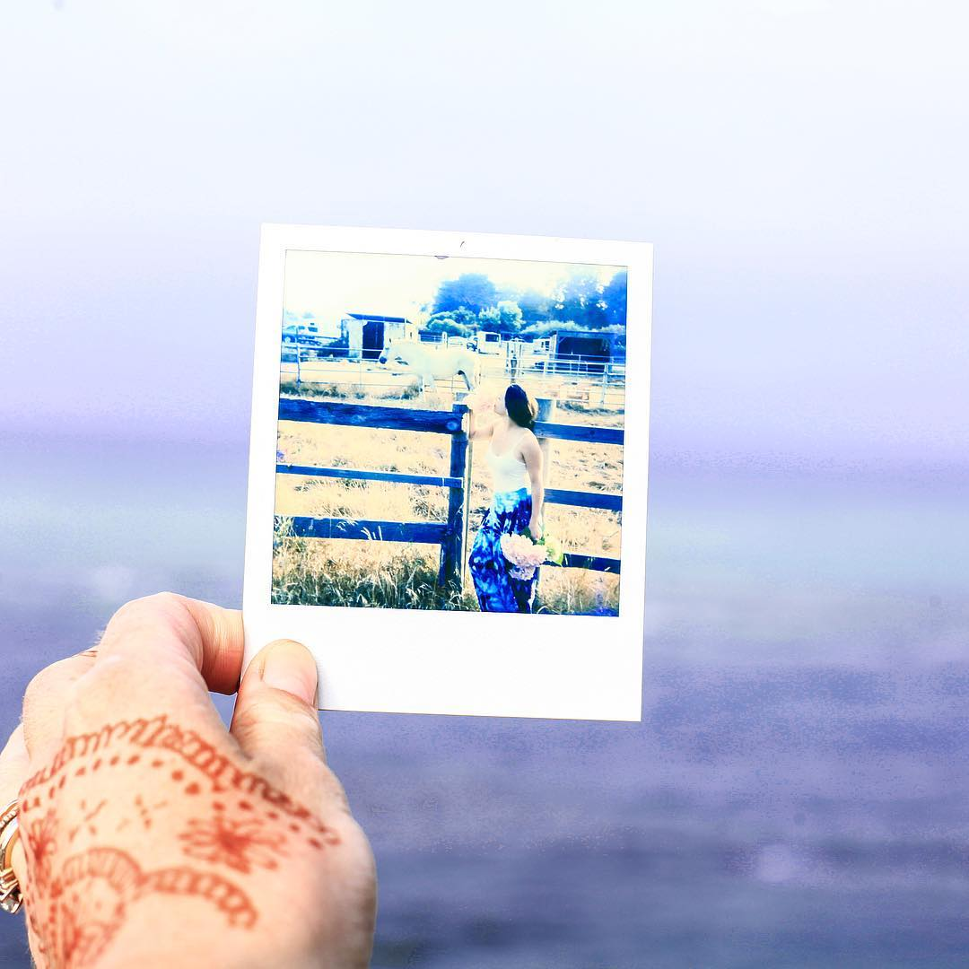 I just love Polaroid Cameras! This is an in depth look at what goes on outside of the jewelry you see:) #Polaroid #impossibleproject #impossible #bolinas #pnw #marin #coastal #highway1 #california #sf #holiday #family #summerrental #mendi