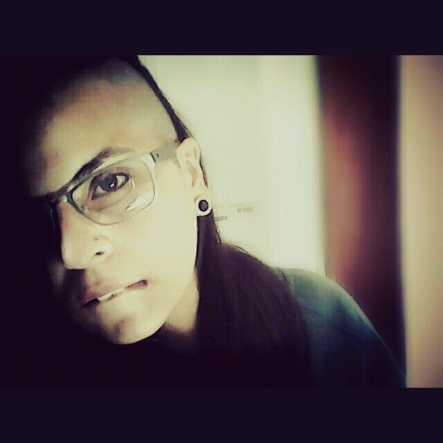 Así. . . . . . . . . . . . . . #lesbian #swag #lesbianstyle #tomboy #dyke #butch #tomboystyle #instalesbians #tomboyswag #goybirl #butchlesbian #instalesb #tomboylookbook #instagood #style #streetstyle #swagger #instamood #instapic #instagay #gay #lgbt...