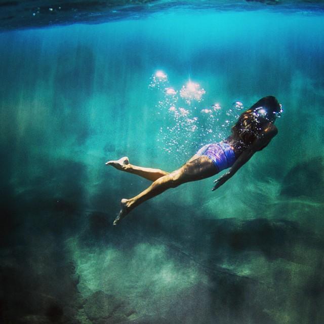 @teekigram #underthesea.  #sarahleephoto #underwater #teeki