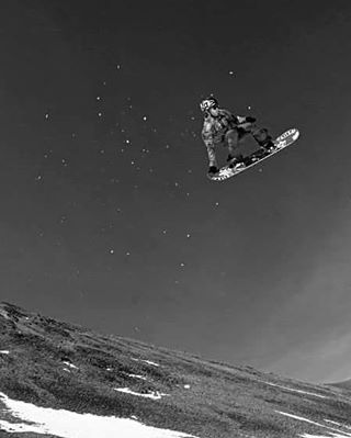 Jero Roman en lo mas alto #volcomsnowboarding @keepjero #stonearmy #ttt