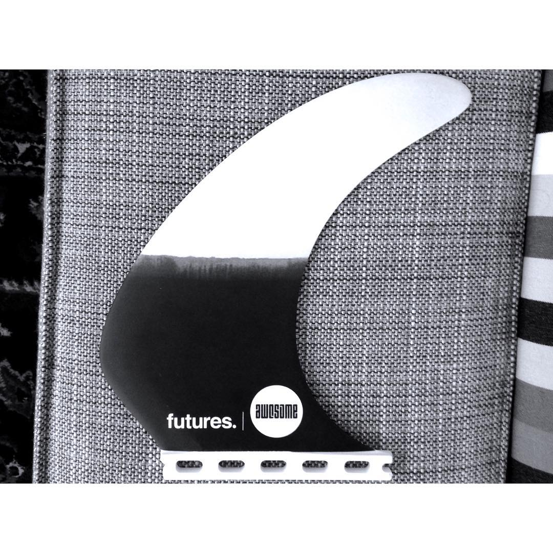 Model T  gen2 available now. link in bio. make any thruster a single fin. changes of gen 2 : template moved forward relative to fin box and the tip got more flex - @hzahorseman thanks for the input!! @futuresfins thanks for the great cooperation,...