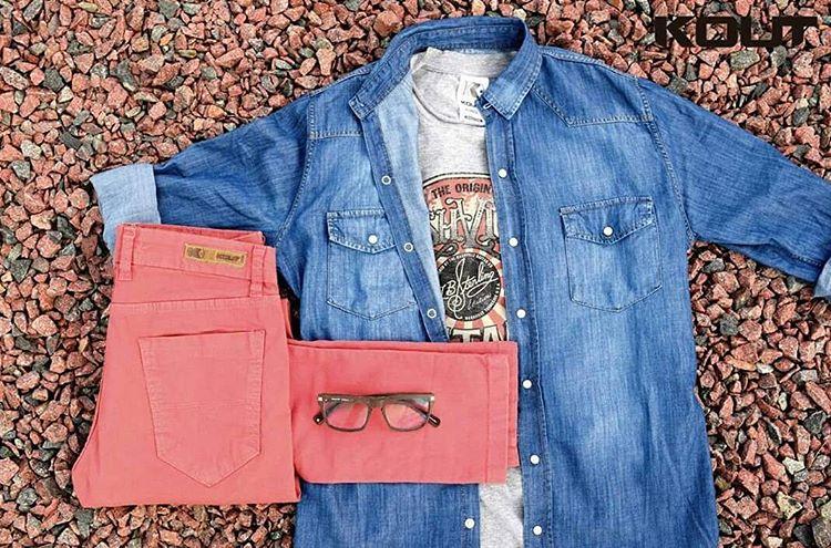 ¿Tenes planes para este fin de semana? ¿Ya sabes que te vas a poner? Acá te dejamos el #look ⚡Pantalon ladrillo + remera #rockera + #camisa de jean | Aprovecha la promo #AHORA12 de Jueves a Domingo en todas tus compras