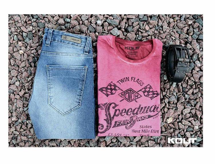 ¿Te gusta este conjunto de #jean con remera #rockera? Obtene un 15% OFF en todas tus compras ingresando a nuestra tienda online en el siguiente link