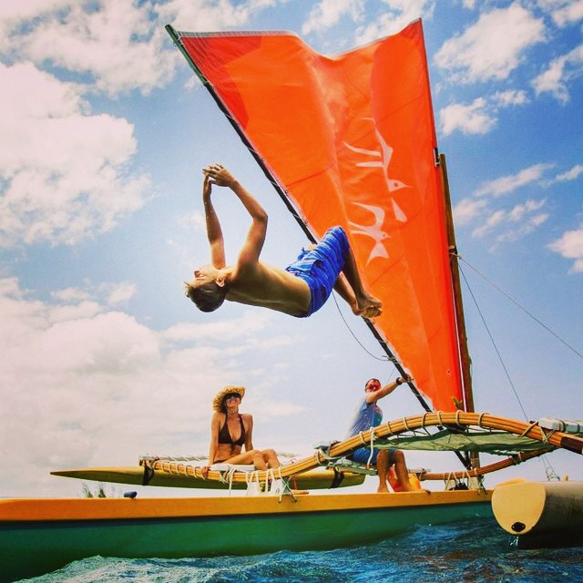 Happy Sunday! #mfield #hawaiilife #backflip #sailingcanoe #sarahleephoto