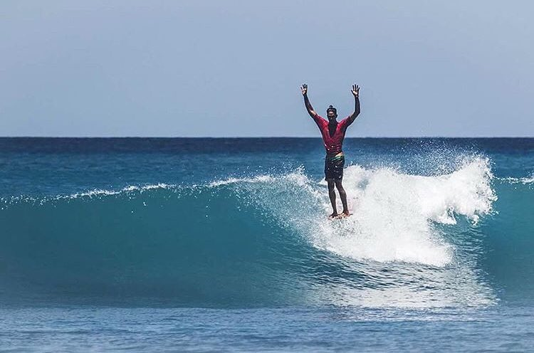 Throw your hands up Thursday with Team Rider @nelsonahina_3rd #inspiredboardshorts | Photo: @mark_01
