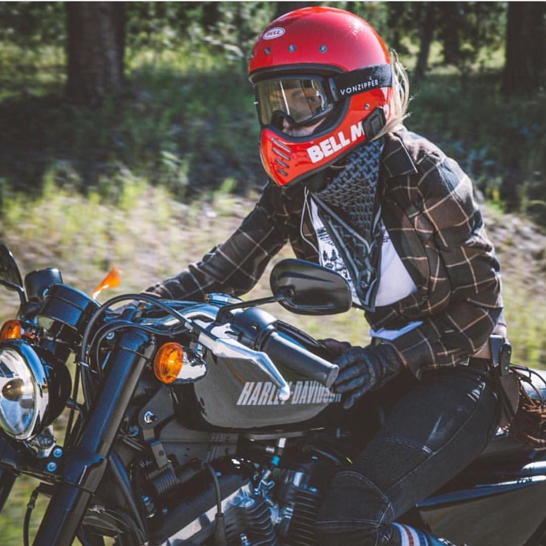 @leticiacline took our goggles on a niiiiice and long road test all the way to #Sturgis. Looks like they worked out fine! #WildRide - #FreewheelersRC #VonZipper #SupportWildLife