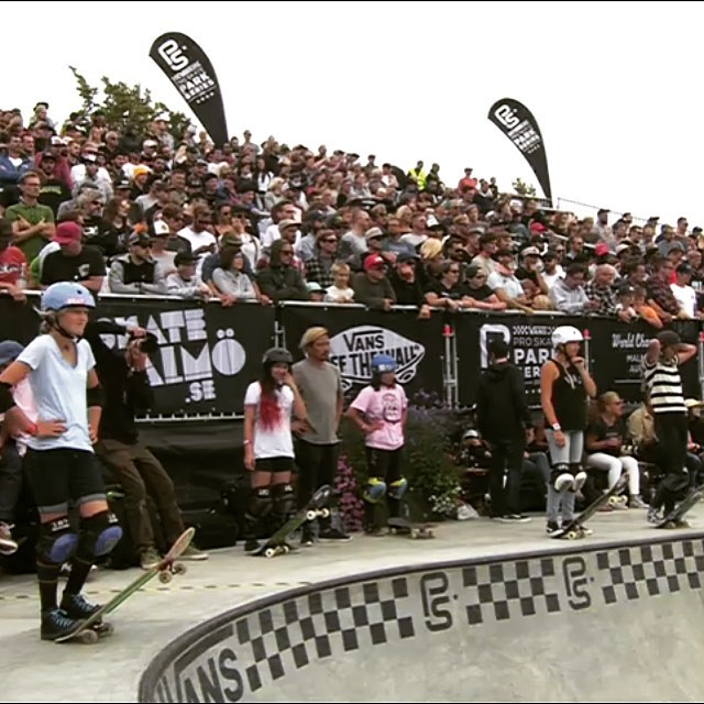 The 1st ever Women's World Championship, Park Series, is happening Live! Follow the link in the bio @vansparkseries