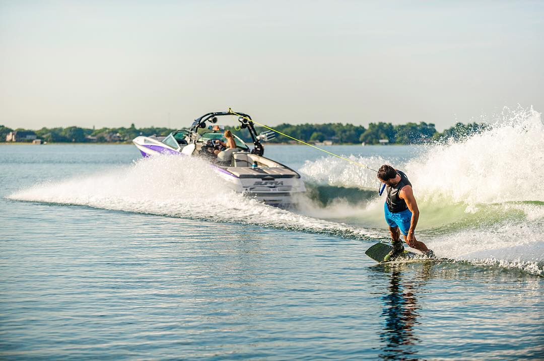 The wide profile of the Jobe Knox is perfect for stable and explosive releases! #wakeboard #wake