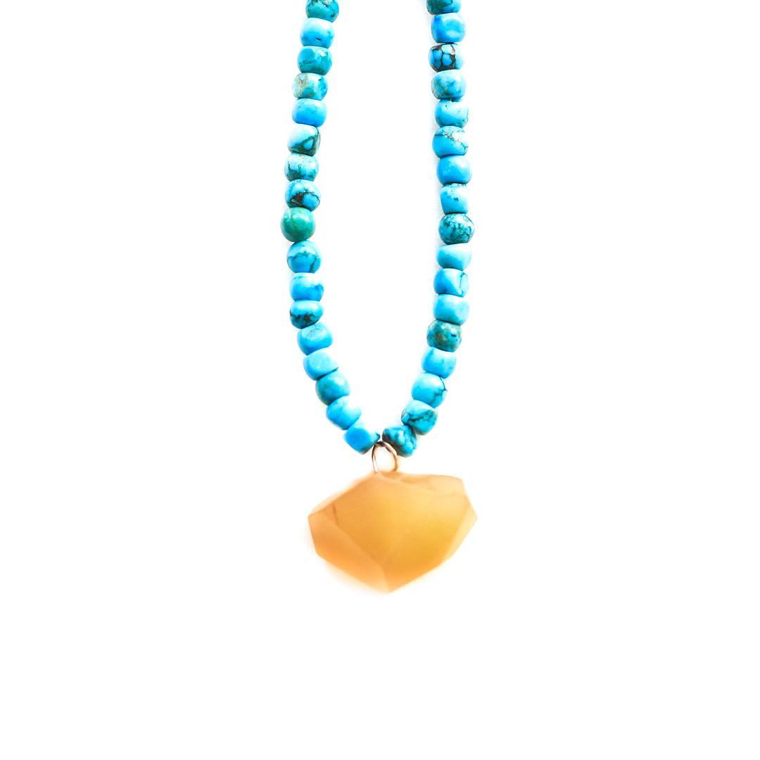 Orange you glad you started out the day in a good mood? It's actually been proven that when you say nice things to yourself and positively work at having a nice day that you will actually FEEL better.  Two colors that help spark these uplifting...