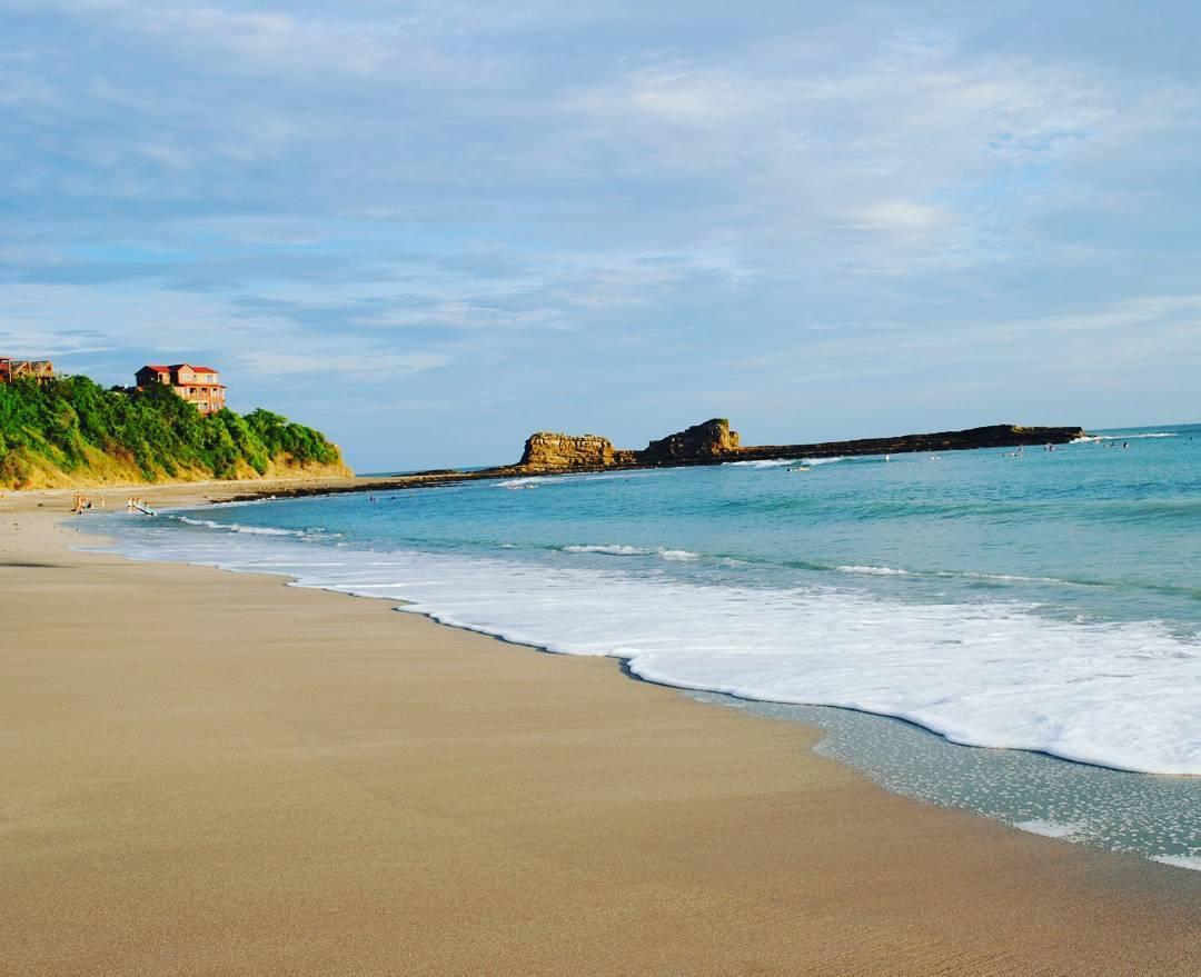 Magnífic Rock !! Nicaragua. #maetuanis #surf #surfing #surftrip #magnificrock #popoyo #centroamerica #centralamerica #puravida