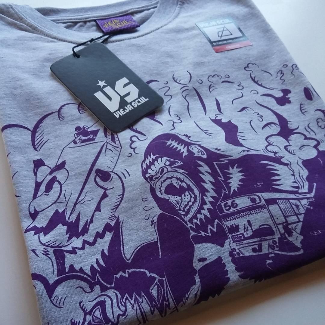 Panic. Destrucción total! Otro nuevo diseño de la temporada primavera/verano #ViejaScul 2017 #illustration #kingkong #obelisco #tshirt #Shirt #dibujo #ilustración #diseño #serigrafía #original #clothes #Store #skateshop #vscocam #instapic #buenosaires...