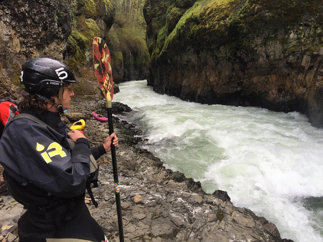 @demshitznation scouting out Steelhead Falls on the bottom White Salmon. #shredready #cuzrockshurt #salmon #washington #canyon