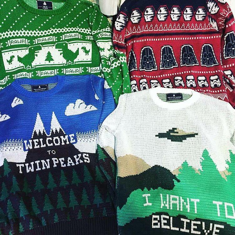 Querés armar tu colección como @federelli?  Aprovechá el código RAWR para tener 40% menos en el segundo sweater!  Thisisfeliznavidad.com