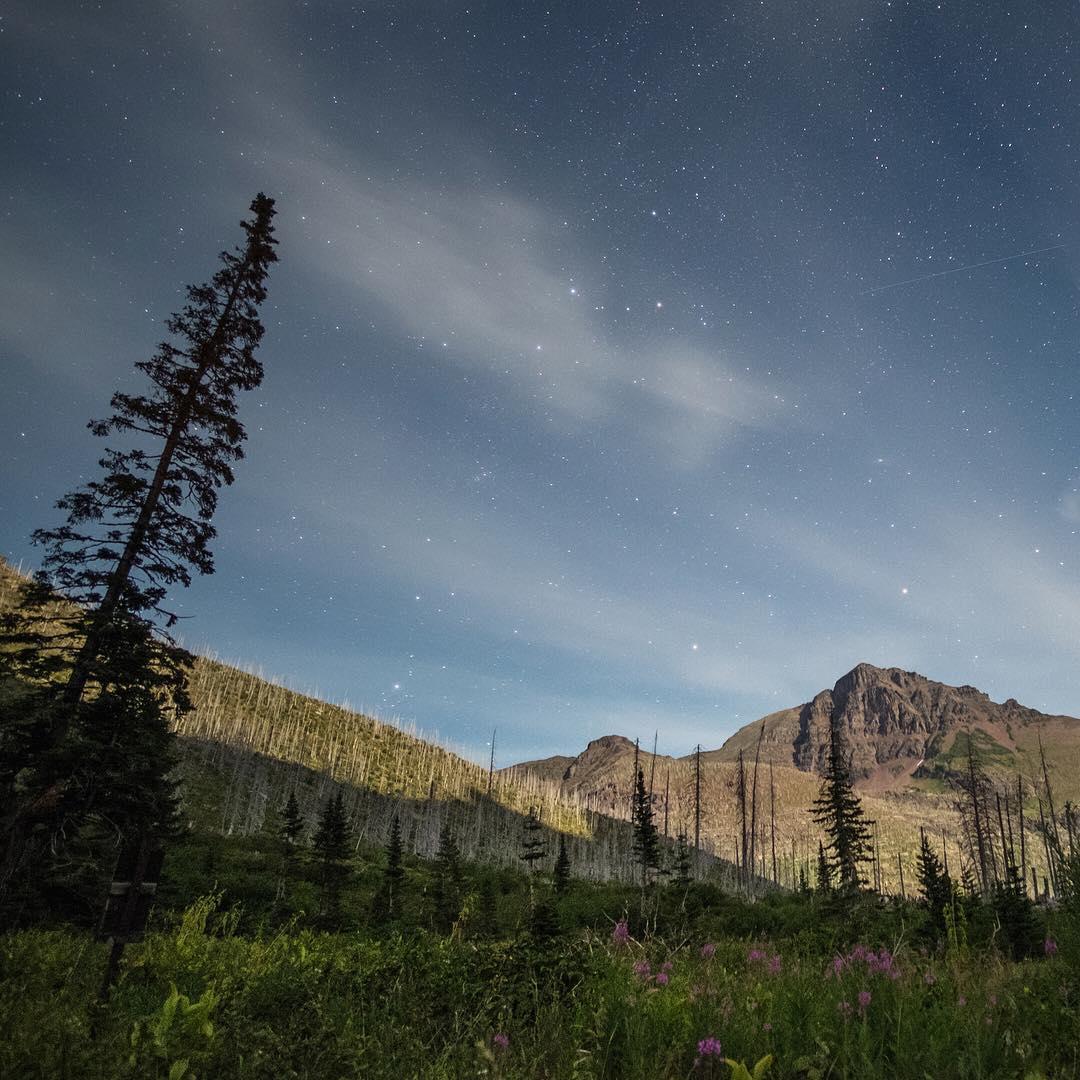 Glacier National Park by moonlight. Well done, @davidanhalt. #findyourpeak #findyourpark