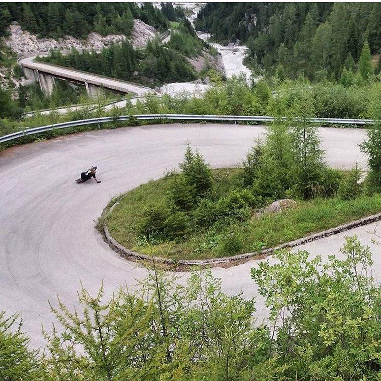 LGC Italy rider @yramatram turning right in one of those