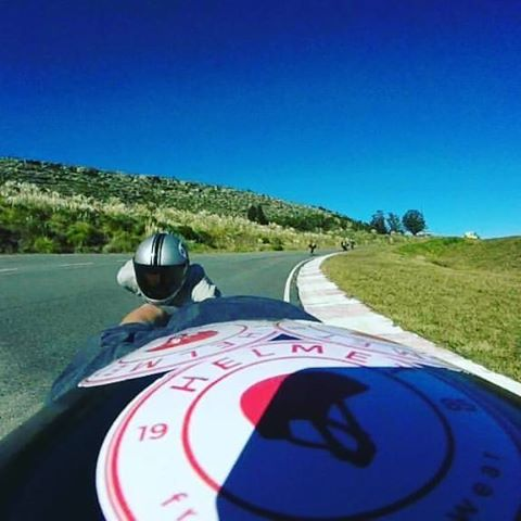 #RePost @lauta.dh Treino con @matiaserm  @helmet_fw #DownHillSkate #Downhill #Team #TeamHelmet #Ride #Extreme #Argentina