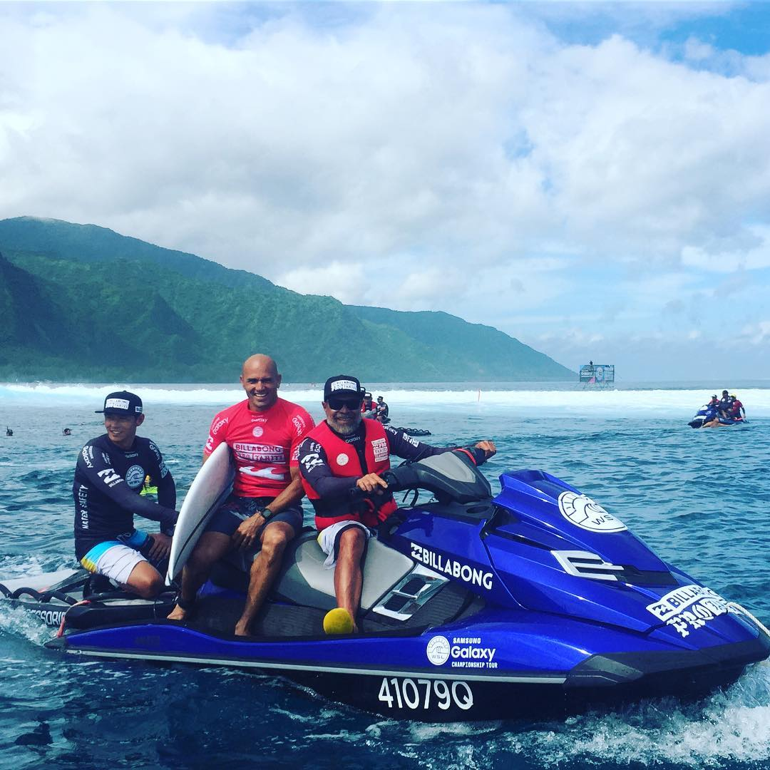 All smiles for @kellyslater today! He won his first #AIForever Award and won the 2016 #BillabongProTahiti! What an amazing day.