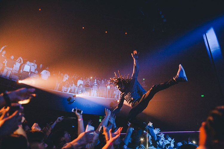 Don't forget this Saturday is the @maskedgorilla x DC @unmaskedla concert with @KenshinTravis at the Roxy in Los Angeles, CA. Photo: @extraicey. Get your tickets before they sell out -> www.UNMASKED.la. #dcshoes