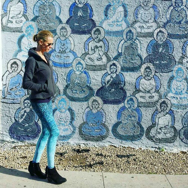 STREET STYLE  @ambereggert founder of @hautebarre @10000buddhas #venice #losangeles #10000buddhas #sea #street #studio #okiinolife #shopokiino