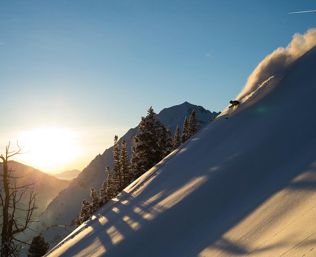 Powder daydreaming.  #winteriscoming #embracethestorm  Skier: @ericbalken PC: @acpictures