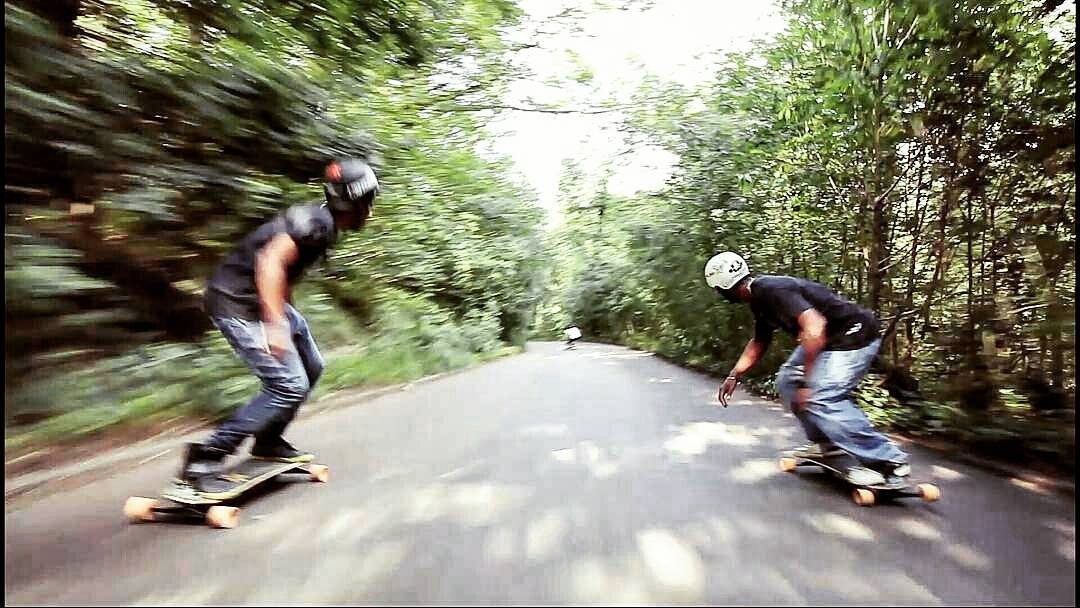 Warp speed! With @freebordgwada @jondeloumeaux and @lud_valton  #Freebord #snowboardthestreets #freebordguadeloupe