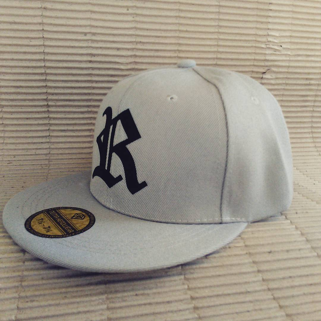 Béisbol Rebel color gris modelo R