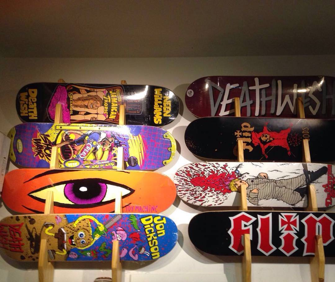 Varias tablas nuevas #flipskateboards #bakerskateboards #toymachine #realskateboards #deathwish