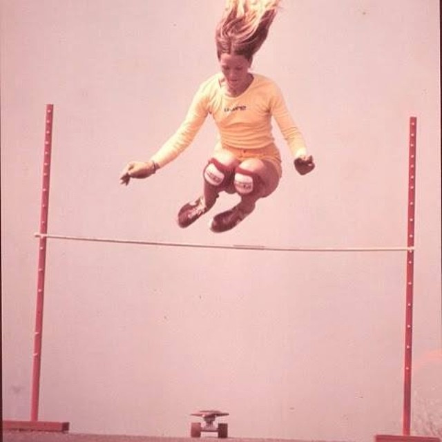 Robin Logan with some proper ups. Robin comes from a legendary skate family. Can anyone name her three brothers? #skate #skateboarding #skateboard #skatelife #skatehistory #og #skatefamily #highjump