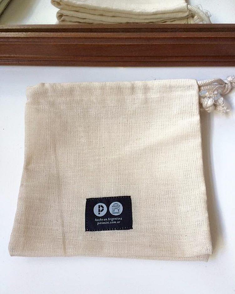 Nuestras bolsas también están realizadas por Trabajo Justo. @tallerdecosturaLuz así lo encuentran en Facebook! Pueden darle una mano!!