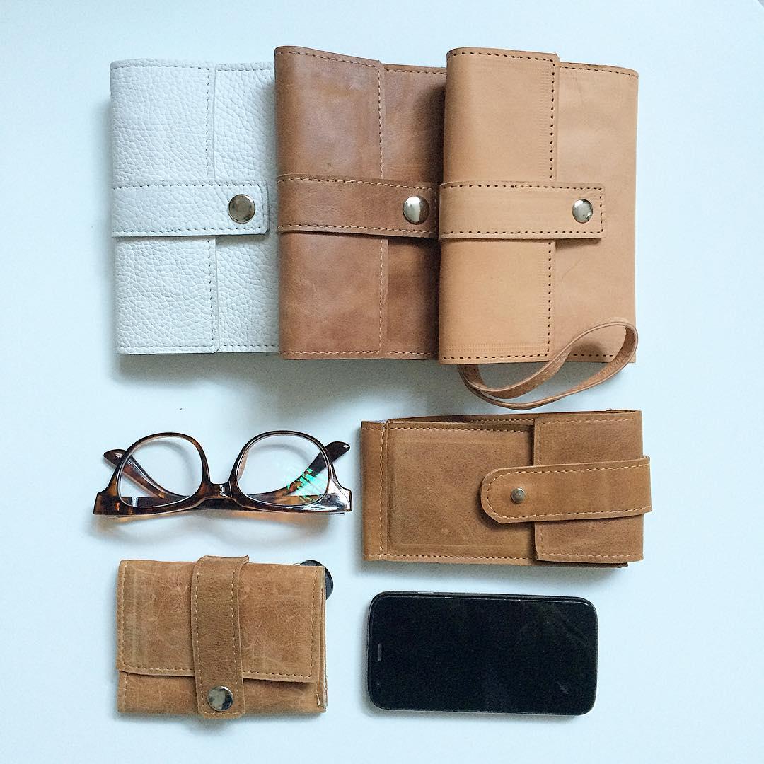 Porta pasaporte / portalentes / porta celular / billetera #industriaargentina #Pitimini #design #hechoamano
