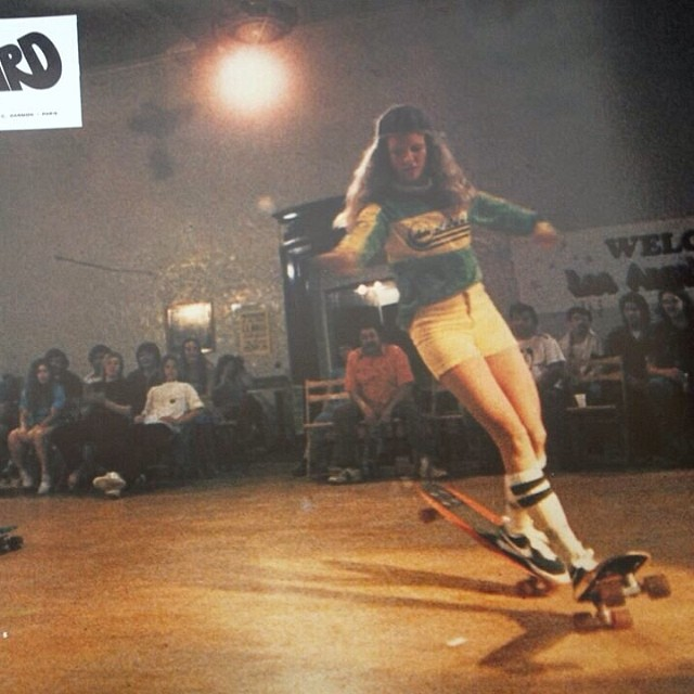 Ellen O'Neill stylin' back in the day. Pic source: Eddie Robertson RESPECT! #longboardgirlscrew