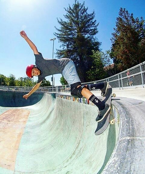 Rad shot of @noah_elam by @skaterat58 at @sloskatepark! Back smith around the pocket. Thanks for taking shots of him!