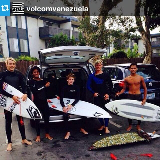 """#Repost from @volcomvenezuela with @repostapp --- Vía @Volcom """"Es la primera vez en la historia que 5 surfistas latinos compiten en la final del campeonato de surf #volcomtct #newport500. La final será en New Port Beach, California. Síguelos desde hoy..."""
