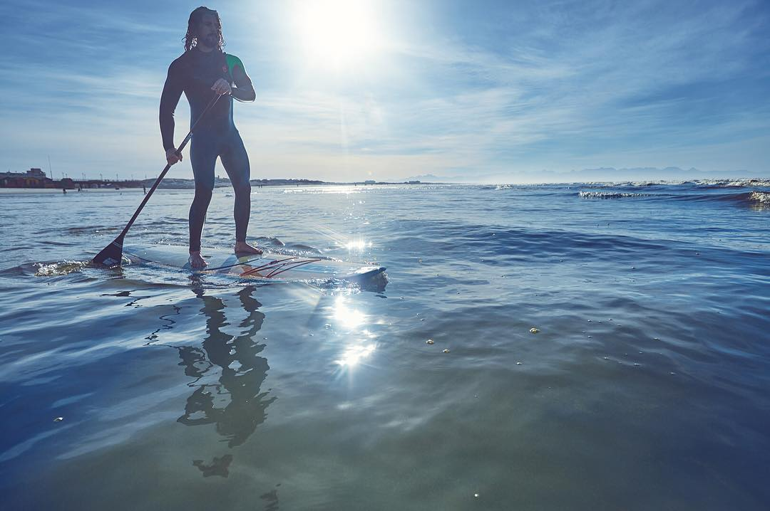 Discover the physical benefits of SUP! One SUP session while you discover amazing secret spots, is equivalent to a gym-session where you move through up to 10 (!) different gym-machines… and only discover the sweat of your predecessor on the machine's...