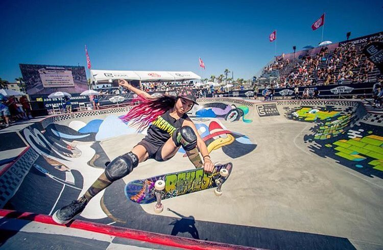 FRIDAY FEELS // Head to our Facebook to check out the full gallery of photos from the Vans Park Series Championships by @mahfia_tv and @thesarahhuston! #behealthygetactive