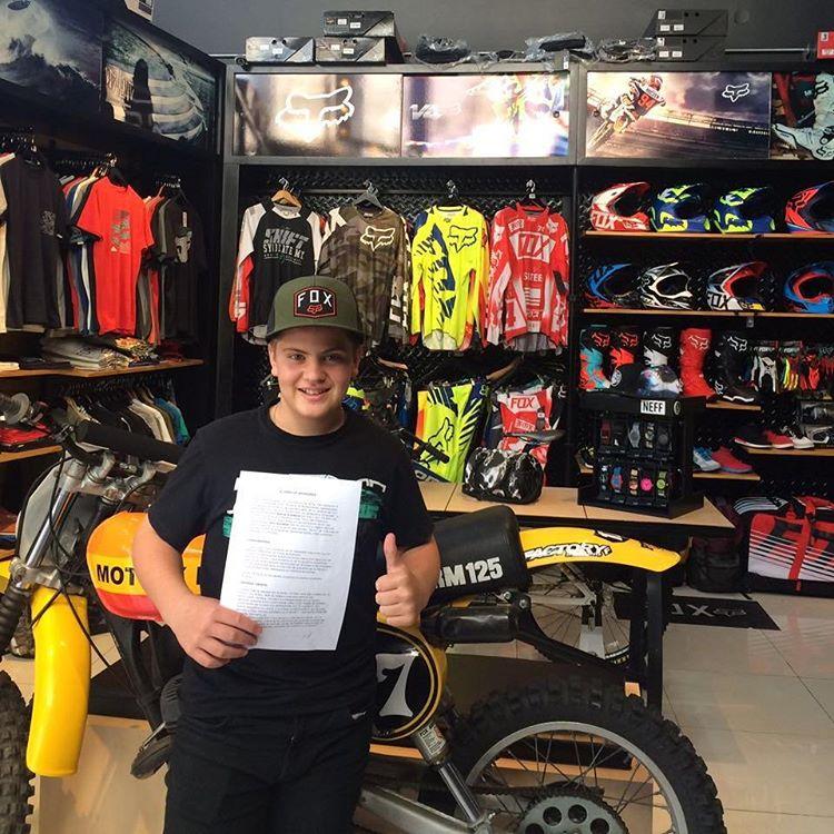 Bienvenido Gino Giordano a la Familia Fox. Gino es Piloto de Motocross 85cc. Muchos éxitos!  #FoxFamily #FoxArmy #FoxHeadArgentina @andresgiordano