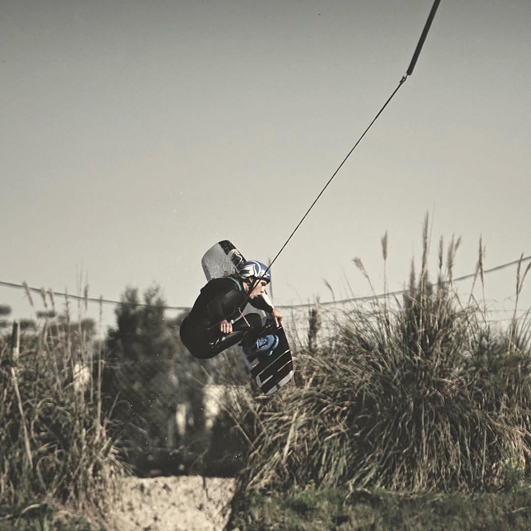 Mucho estilo el de @ramirogallart, rider WOW! #lifeiswow #wildonwater #wowrider