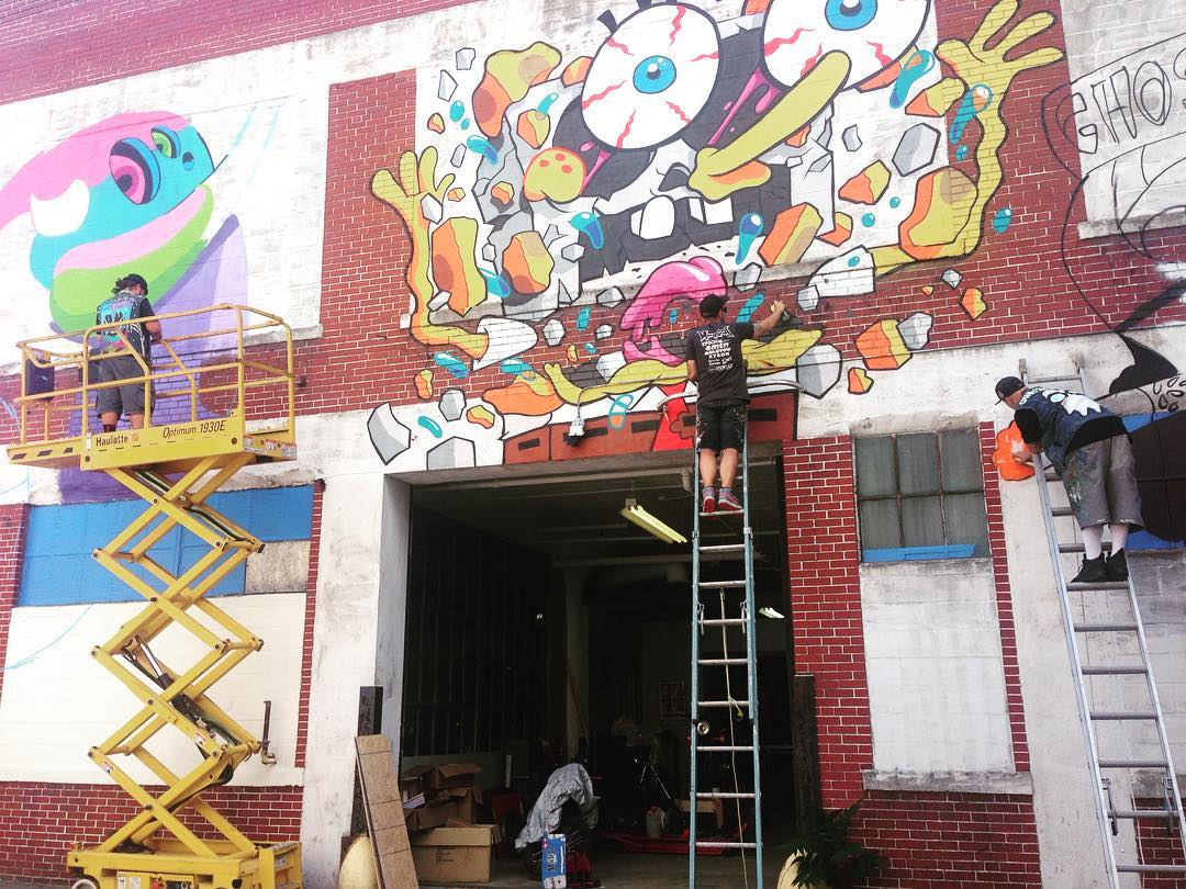 Progress shot of @patchwhisky, @gondekdraws, and @ghostbeard at @powwowworcester • SprATX is excited to sponsor along side: @powwowworldwide @1xrun @monsterenergy @actionwoo @worcesterwares @worcestermagazine @thegriddistrict @homedepot...