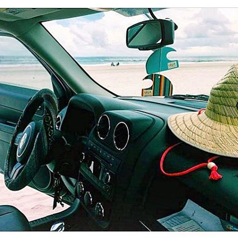 @nicolettttte has her essentials ready for a good day at the beach.  Straw hat..check, new #jeep...check, doubled up good scents from ulu....cheeeeck. Tag your photo showing your mini wave air fresheners or candles in use with #LifestyleonWax and get...