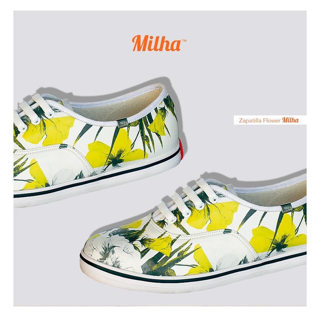 Arte en una zapatilla: Flower Yellow Lirium, un modelo para el día y la noche! #palermo #milhasoho #milha #zapatillas #lirium #sneakers