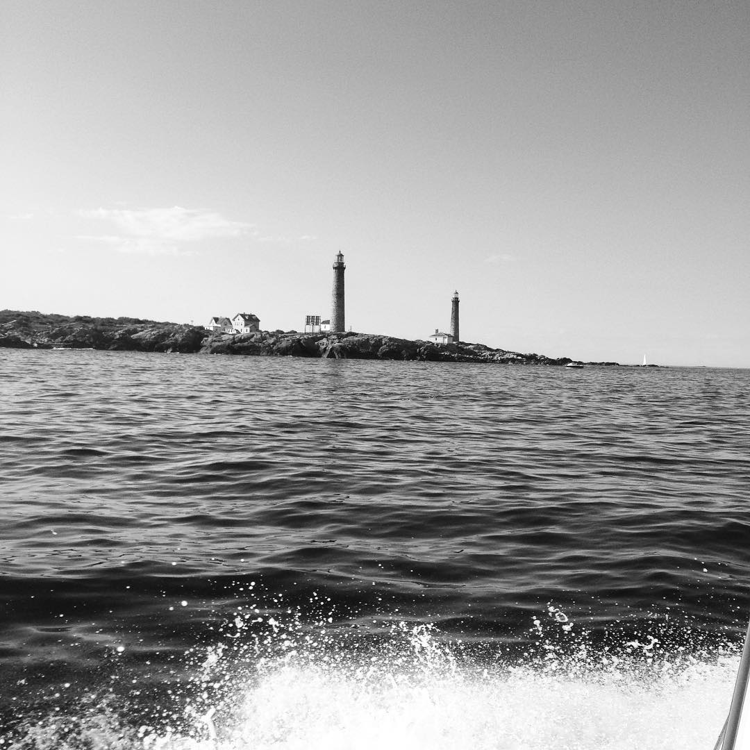 Fishing and cruisin around twin light tonight. #twinlight #striperfishing #capeann #gloucester #rockport #lighthouse #island #thatcherisland #newengland