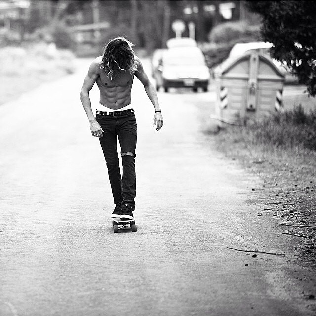 #regram @ardillaborrello  #mafia #creativestudio always moving.  #skate #blackandwhite #riding