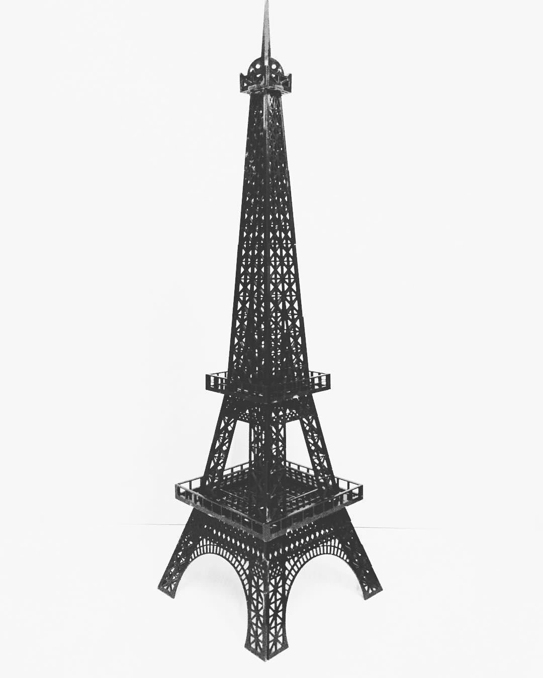 #Chilimango #torreeiffel #francia #france #eiffeltower #diseño #desing #deco  #adornos #paris #surf #trip #viajes  En Acrílico de 60 cm o en 1 mt...