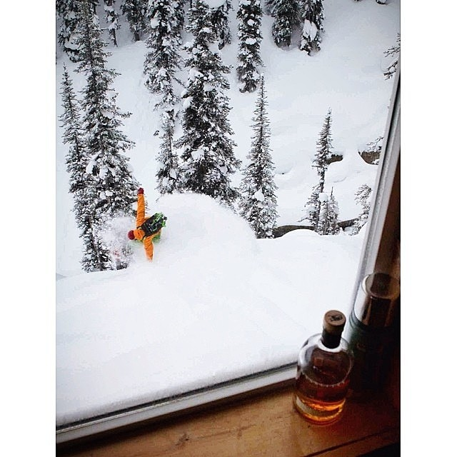 Our friends @packnw know what makes a good weekend: snow and whiskey! They've also just released their first line after tons of hard work! Check it out! #firewaterfriends #snowboarding #mountains