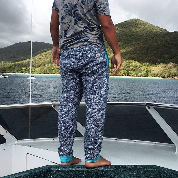 Un #Domingo  navegando x las #IslasVirgenes #tranqui