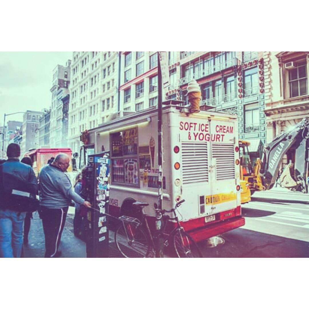 I miss u nyc #nyc #manhattan #us #usa #eeuu #nikond3000 #nikon #photography #icecream #menories #city #bike